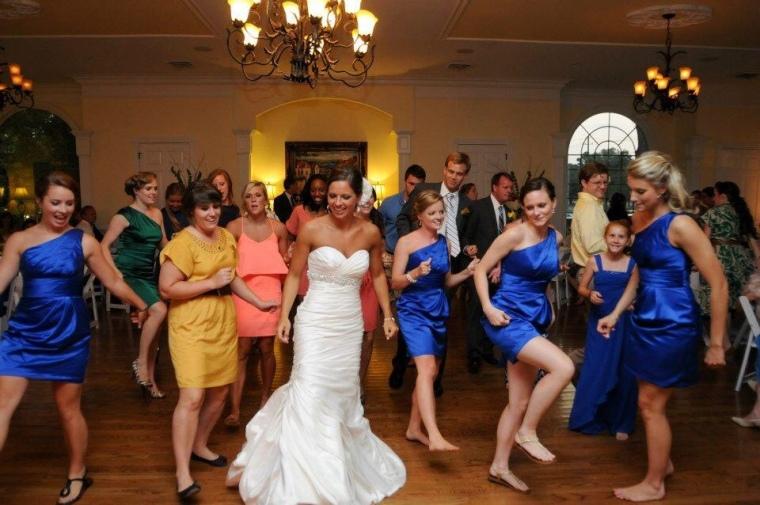 Dancing at the Wedding thompsonhouseandgardens.com